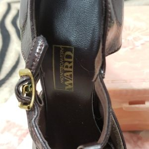 Montgomery Ward Shoes - Vintage Montomery Ward T-Strap Brown Shiny Heels